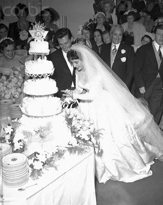 Первая свадьба Элизабет Тейлор (18 фотографий), photo:15