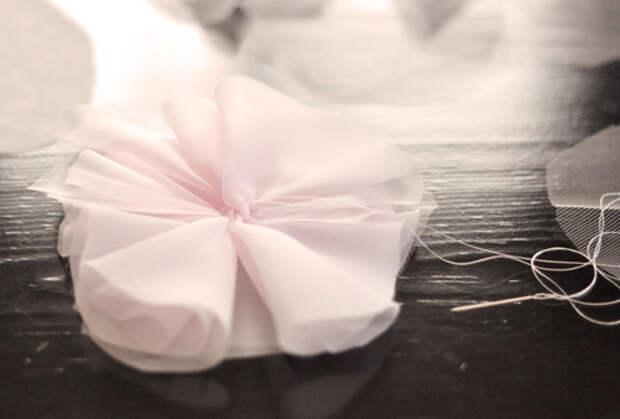 Цветок из шифона своими руками
