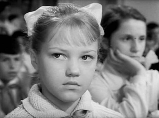 Елена Проклова в фильме *Звонят, откройте дверь*, 1965 | Фото: kino-teatr.ru
