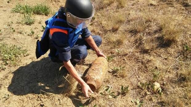 В Крыму обезвредили 3 авиационные бомбы времён войны