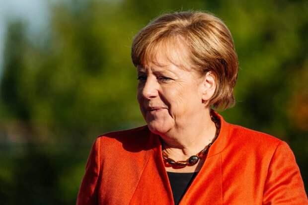 В Польше заявили о предательстве Меркель всей Европы