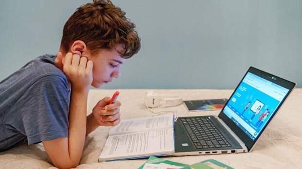 Собянин оценил вероятность перевода школьников на дистант в связи с пандемией