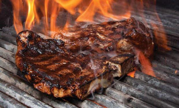 Мясо пригорело во время готовки. Разбираем 10 основных причин и исправляем их