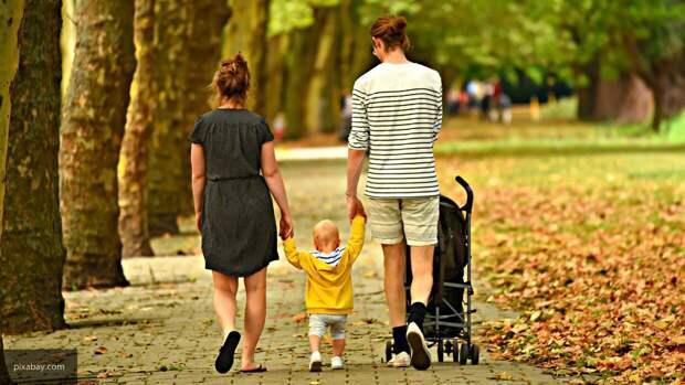 Российским семьям объяснили механизм выплаты пособия на детей от 3 до 7 лет