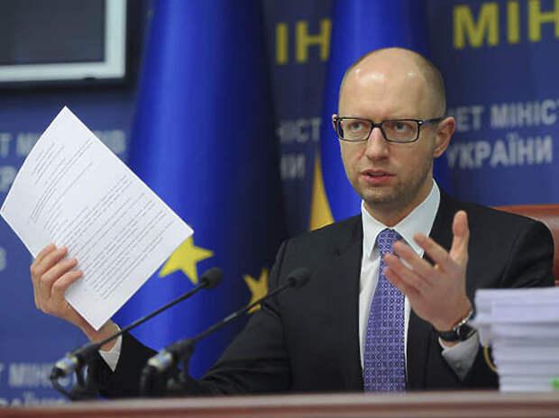 Яценюк: международные кредиты Украина берет для оплаты… международных кредитов