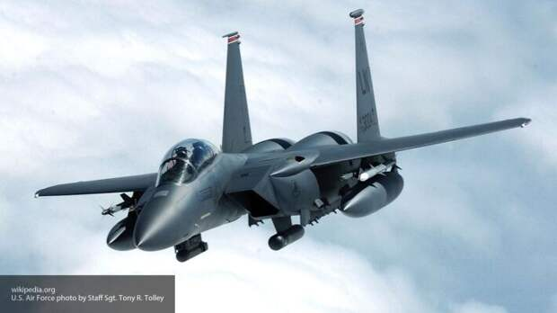 Французские СМИ сообщили, зачем США направляют авиацию к границам России