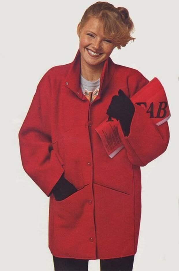 Пальто из одного отреза ткани - очень интересная выкройка и результат.
