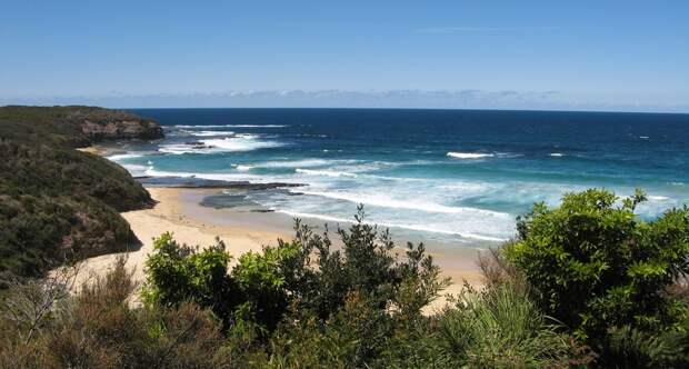 Beach sea coast ocean shore vacation cliff surf cove bay terrain body of water australia ulladulla waves bushes cape 1017557