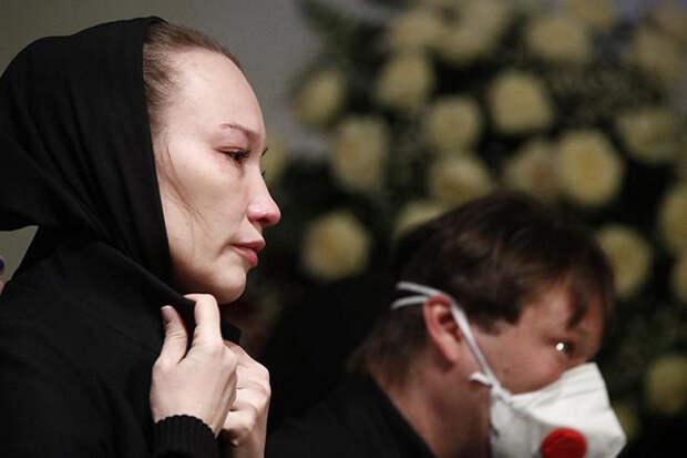 Вдова Грачевского резко высказалась после похорон