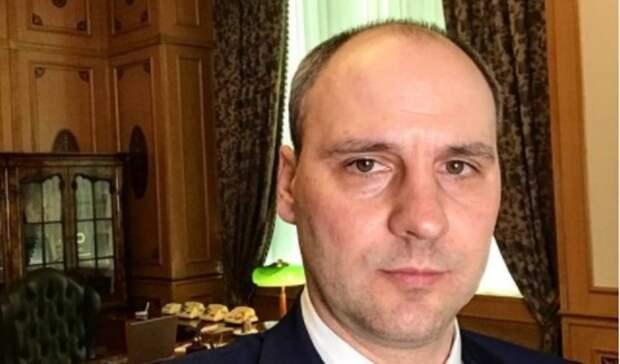 Губернатор Оренбуржья Денис Паслер сделал селфи на фоне кабинета Черномырдина