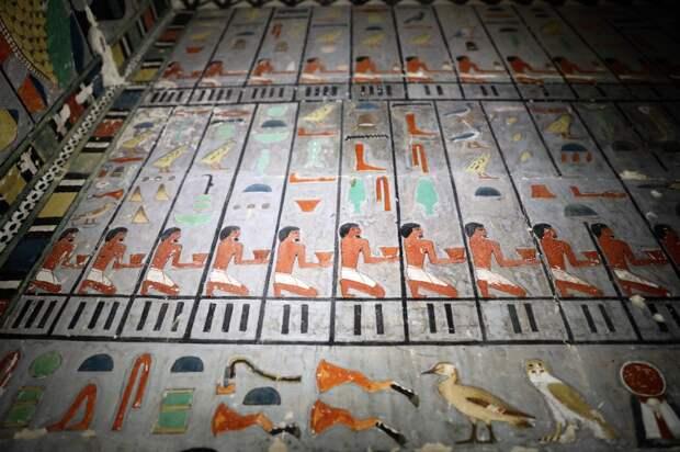 В Египте открыли гробницу возрастом в 4000 лет с прекрасно сохранившимися фресками