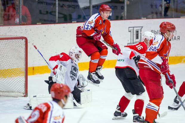 Хоккеисты «Ижстали» победили команду «Нефтяник» из Альметьевска