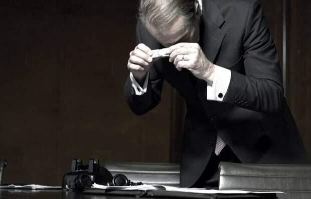 Чем мог пользоваться Джеймс Бонд: Шпионские гаджеты прошлых лет