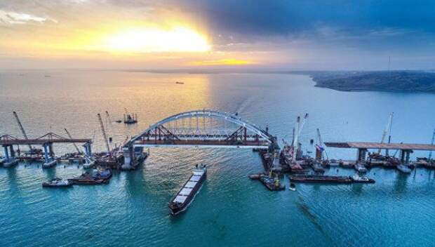 Крымский мост будут охранять беспилотники и боевые пловцы