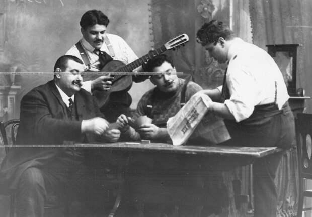 Фоторепортаж с международного чемпионата по французской борьбе. Петербург. 1912 год