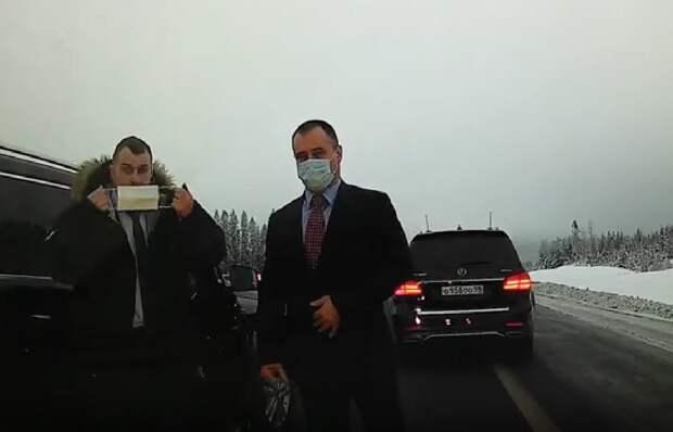 """В Сети появилось видео странного дорожного инцидента на трассе """"Сортавала"""""""
