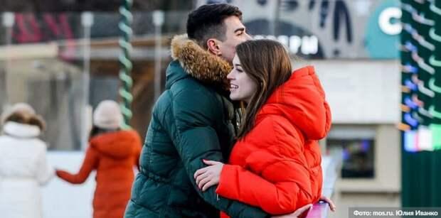 В Москве в День всех влюбленных на катке ВДНХ состоялась первая регистрация брака. Фото: Ю. Иванко mos.ru