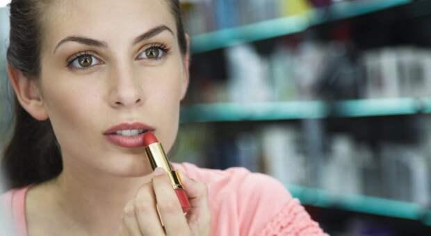 9 лайфхаков понанесению помады, которые должна знать каждая женщина