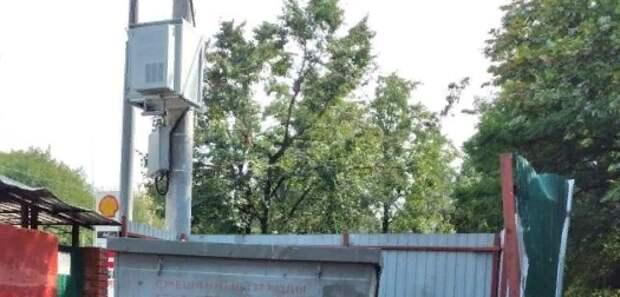 Контейнерную площадку очистили от мусора в Мининском переулке