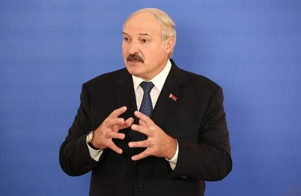 Лукашенко согласился на общую с Россией валюту