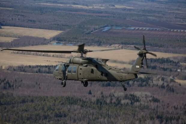 Вертолеты ВВС США тренируются выполнять военные задачи в Эстонии