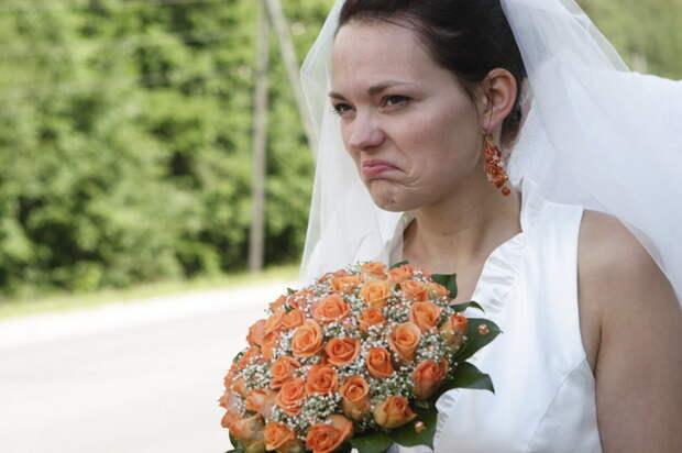 Считалось, что взгляд невесты имеет невероятную силу. /Фото: onebigday.ru