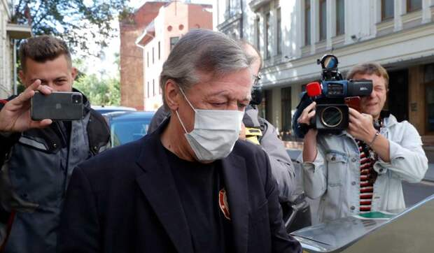 Адвоката Ефремова могут лишить права на работу из-за непрофессионализма