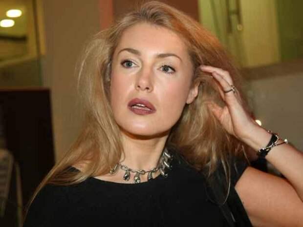 Внучка Стриженова набросилась с критикой на мать внука Шукшиной