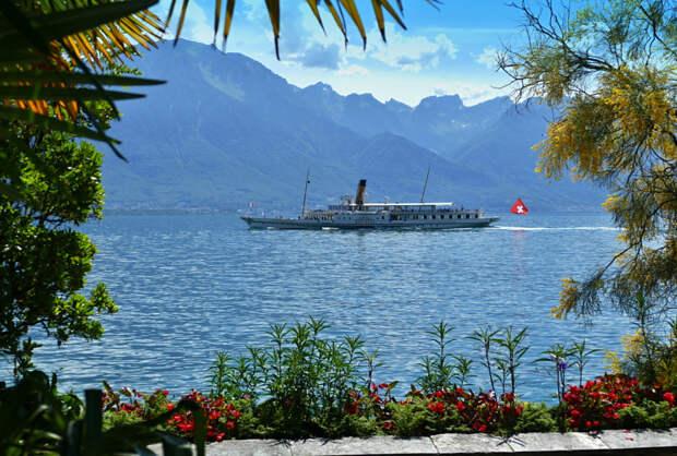 Ship on Lake Geneva by Jarda Novák on 500px.com