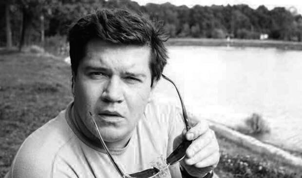 Скончался основатель рок-группы «Високосный год» Илья Калинников