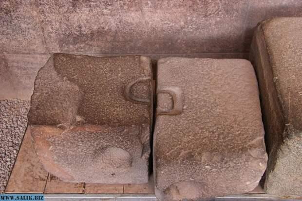 Почему некоторые элементы на древних камнях похожи на разных материках?