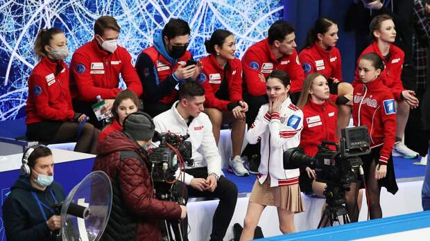 Загитова и Медведева поделили между собой лучших фигуристов России. Но команда Алины — фаворит командного турнира