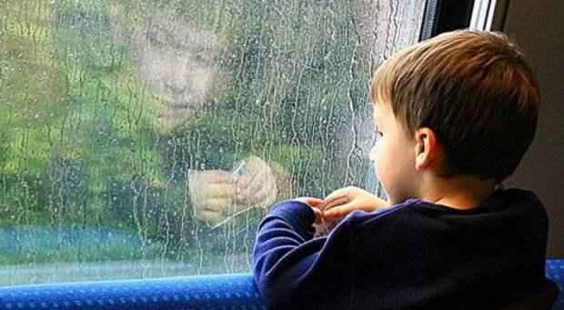 В России установилось рекордно низкое число детей-сирот