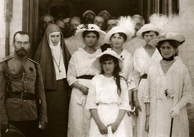 Почему правящие дома Европы не стали спасать семью Николая II