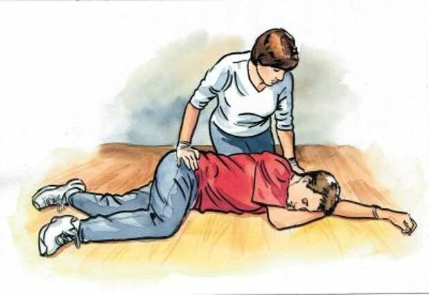 Вот что надо делать, если кто-то тонет, умирает от сердечного приступа или аллергии