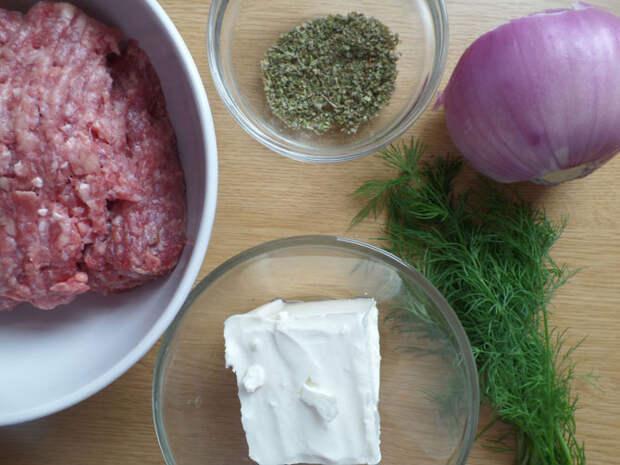 Рецепт на выходные: Тефтельки с брынзой в сметанно-горчичном соусе