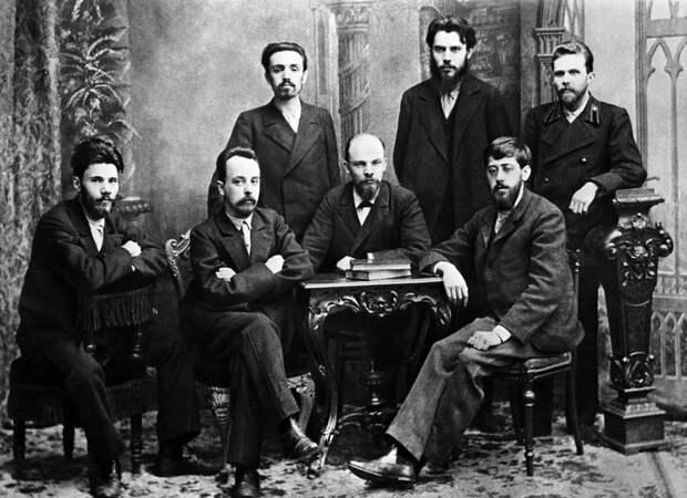 Меньшевики и большевики: из-за чего поссорились бывшие единомышленники