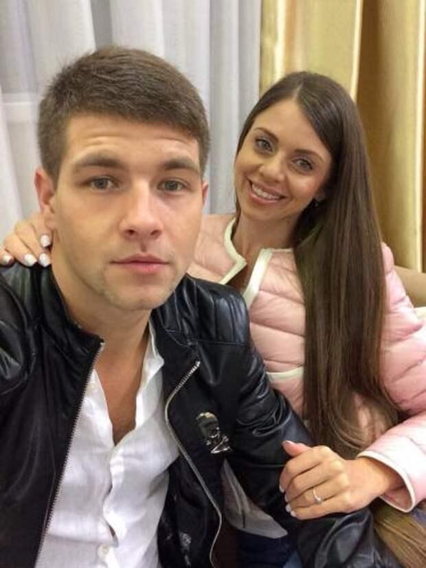 Дмитрий Дмитренко пришел на «Дом-» с дочкой
