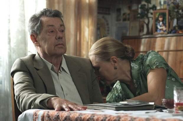 Умер актер из культового фильма «Белые росы»
