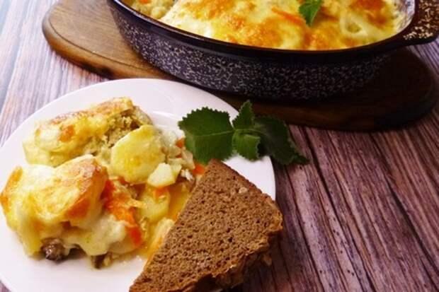 Фото к рецепту: Филе скумбрии  с картошкой  в духовке