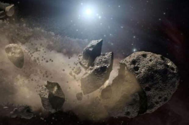 На летящем к земле астероиде обнаружена загадочная черная пирамида