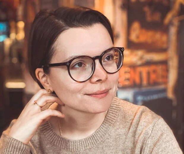 Молодая возлюбленная Евгения Петросяна проговорилась о личной жизни с ним