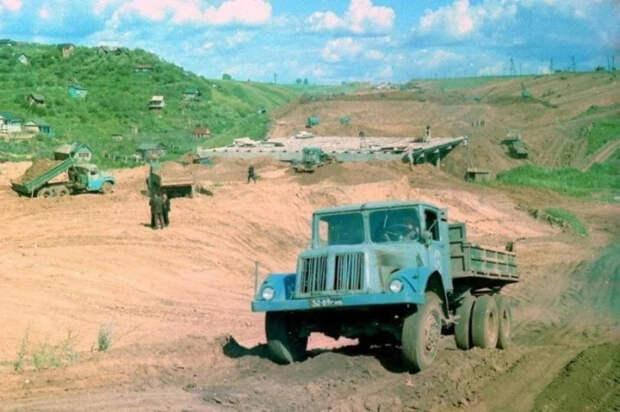 9 грузовиков, которые трудились на дорогах СССР