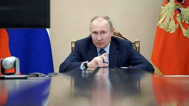 Почему Путин защищать историю доверил силовикам