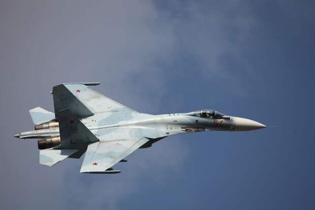Киев «зафиксировал» полет «российского Су-27» возле украинских кораблей (ВИДЕО)