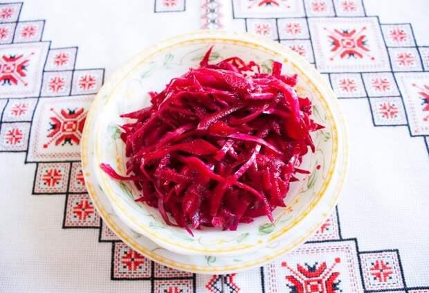 Вкусный салат на каждый день из простых ингредиентов