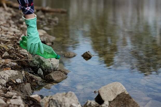 Со дна реки Чурилихи в ЮВАО поднимут ил и строительный мусор