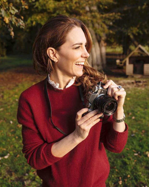 Кейт Миддлтон с фотоаппаратом