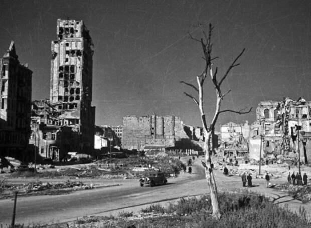 Послевоенная Варшава.
