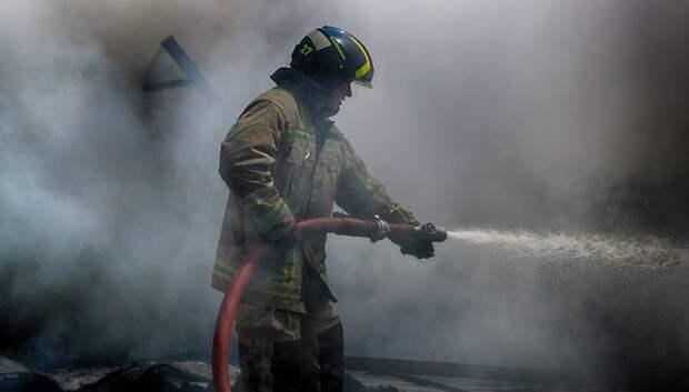 Огнеборцы Подольска провели тренировку в условиях сильного задымления